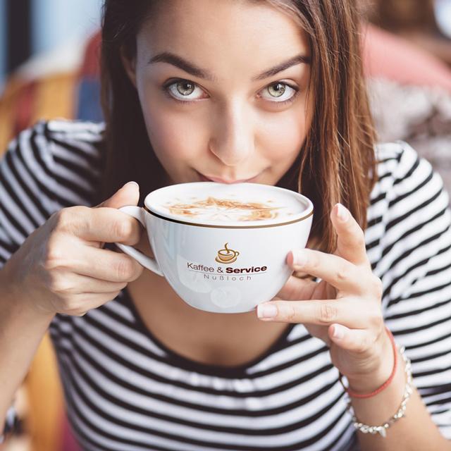 Kaffee und Service Tasse mit Logo